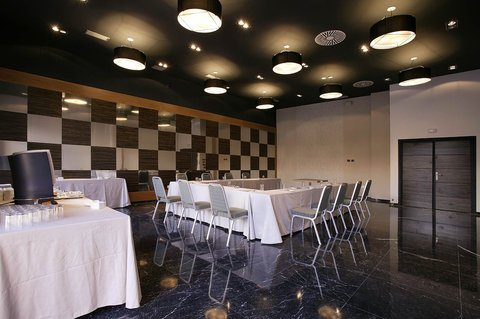 High Tech Nueva Castellana - Meeting Room
