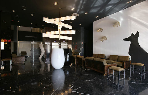 High Tech Nueva Castellana - Lobby