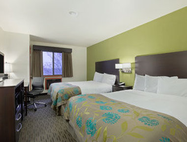 Baymont Inn & Suites Eau Claire WI - Standard Two Queen Bed Room