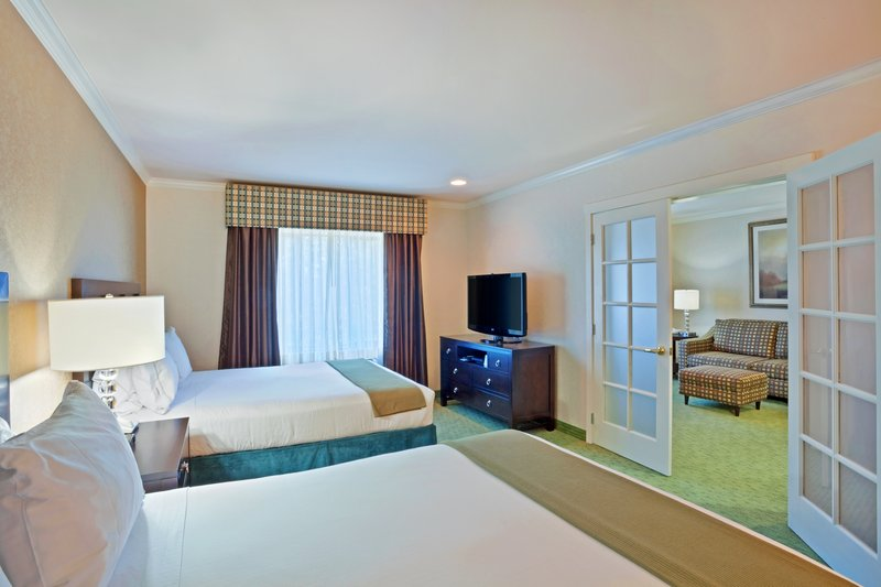 Holiday Inn Express & Suites PUYALLUP (TACOMA AREA) - Puyallup, WA