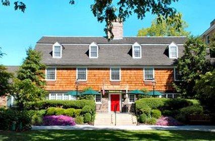 Pheasant hollow apartments in plainsboro nj 08536 for La mirage motor inn avenel nj