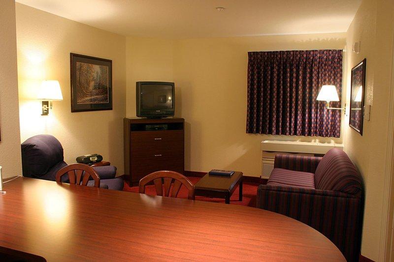 Candlewood Suites DETROIT-ANN ARBOR - Tecumseh, MI