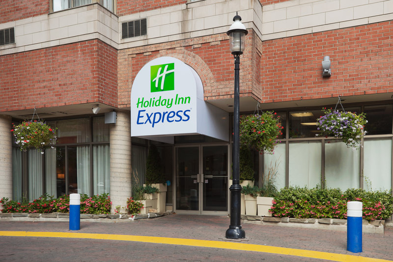 Holiday Inn Express Toronto-Downtown Außenansicht