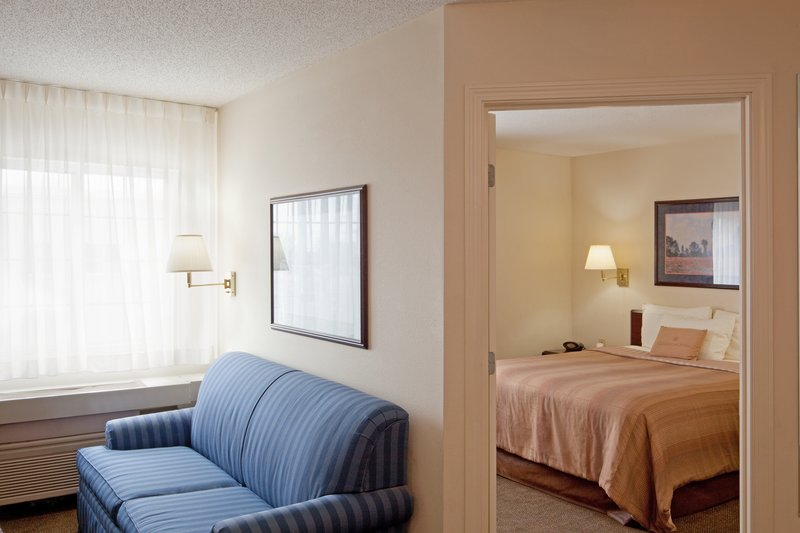 Candlewood Suites - Boston Braintree Suite