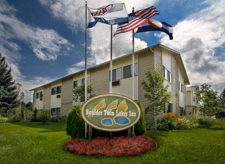Boulder Twin Lakes Inn - Boulder, CO