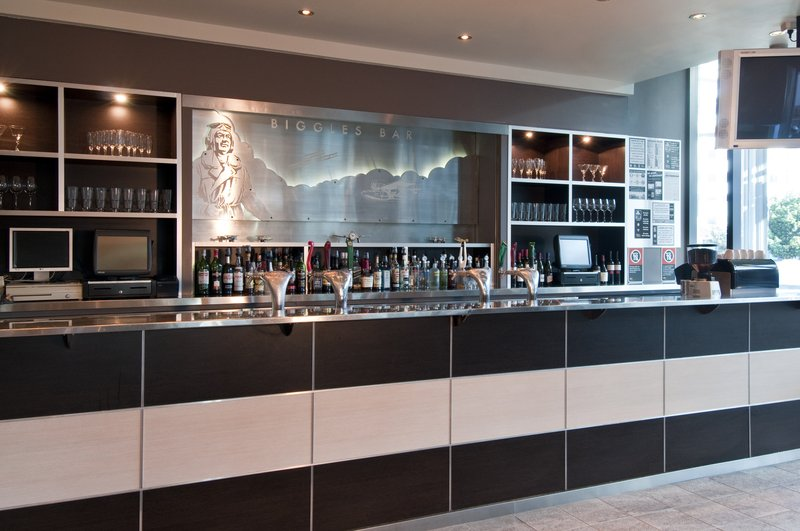 Holiday Inn Sydney Airport Bar/Lounge