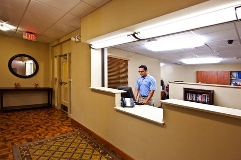 Candlewood Suites Fort Myers Sanibel Gateway Hotel - Front Desk