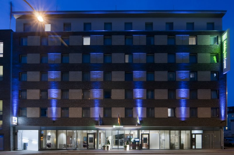 Holiday Inn Express Hamburg Sankt Pauli Messe Buitenaanzicht