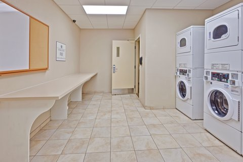 Candlewood Suites Hattiesburg Hotel - Laundry Facility