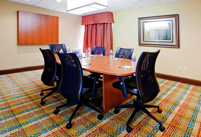 Holiday Inn Express Raleigh-Durham Airport Konferenciaterem