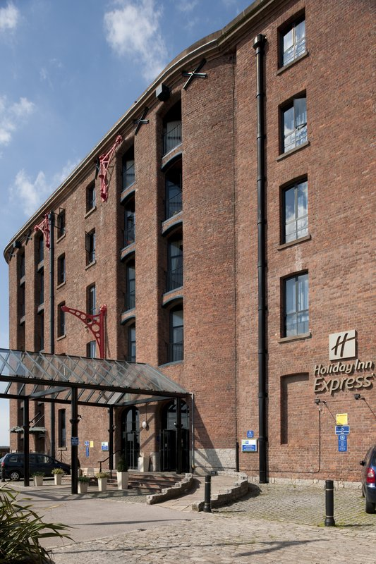 Holiday Inn Express Liverpool-Albert Dock Vista exterior