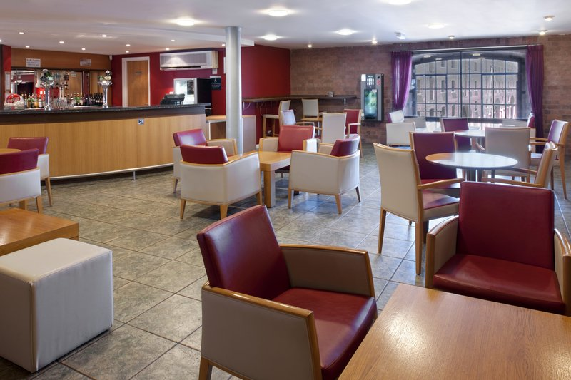 Holiday Inn Express Liverpool-Albert Dock Bar/Lounge