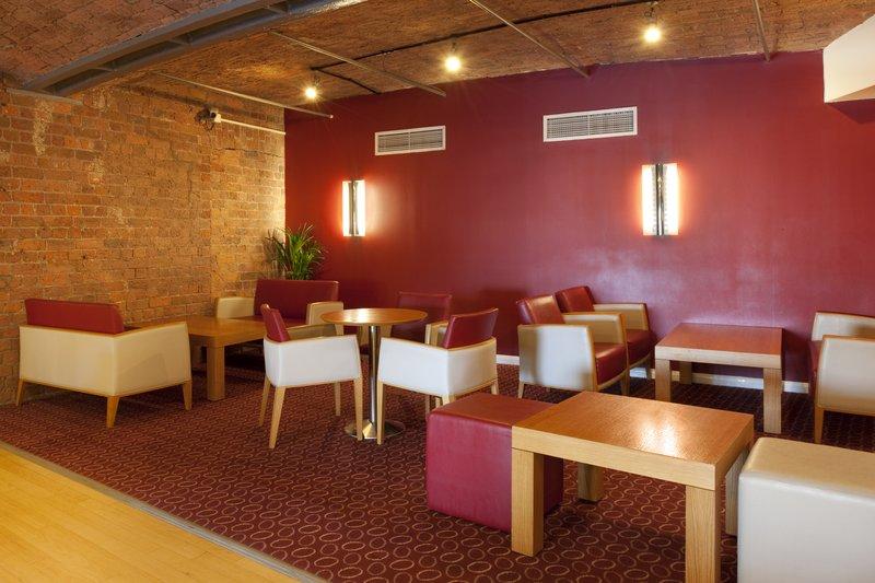 Holiday Inn Express Liverpool-Albert Dock Bar/Lounge