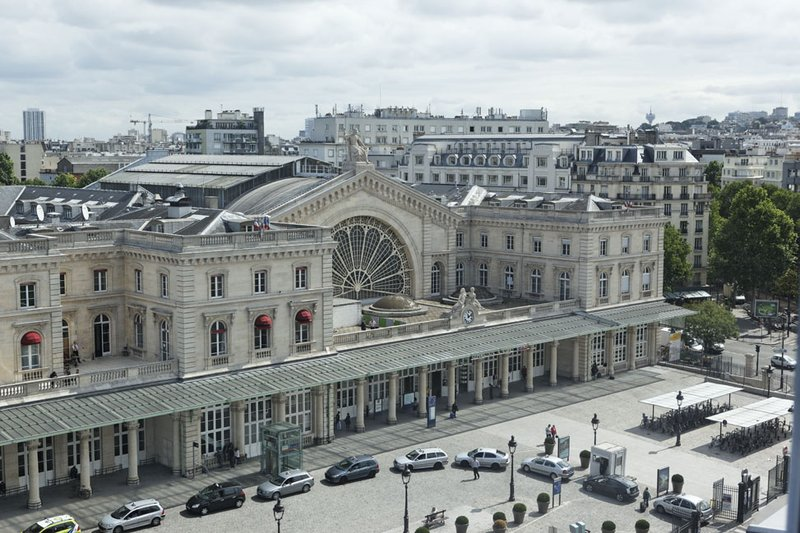 Holiday Inn Paris-Gare de L'est 外景