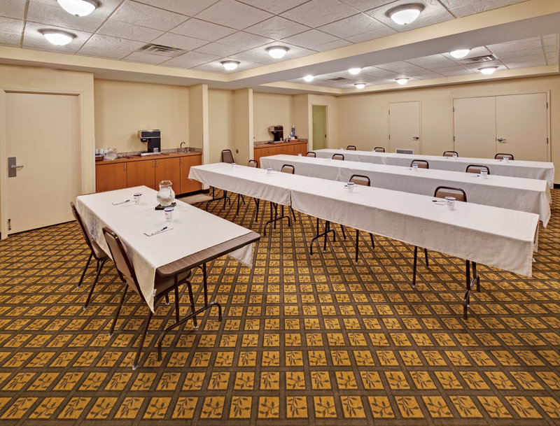 Candlewood Suites - Omaha, NE