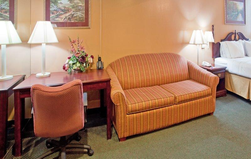 Holiday Inn Express MARSHFIELD (SPRINGFIELD AREA) - Marshfield, MO