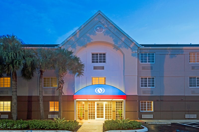 Candlewood Suites Miami Airport West Вид снаружи