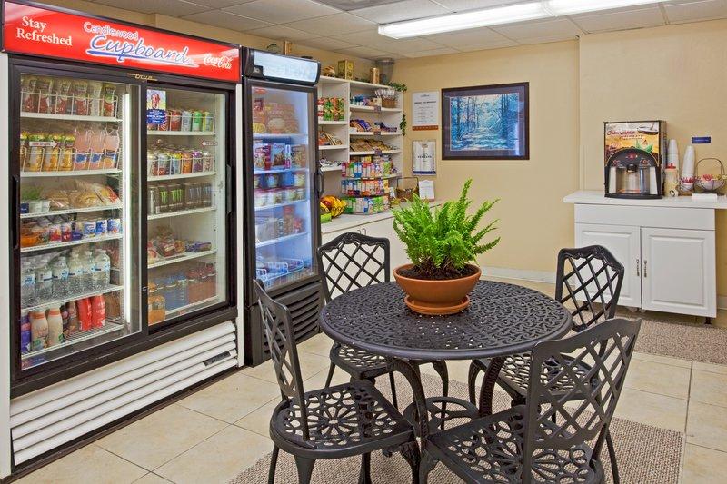 Candlewood Suites Miami Airport West Ресторанно-буфетное обслуживание