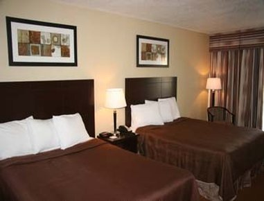Howard Johnson Inn and Suites - Toronto East Pokoj