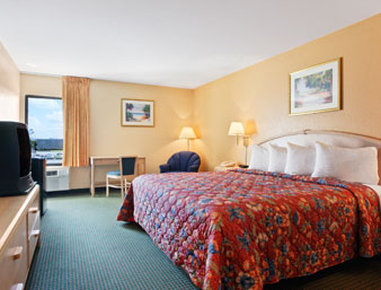 Ramada Limited Fort Myers Hotel - Standard King Bed Room