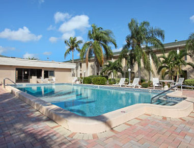 Ramada Limited Fort Myers Hotel - Pool