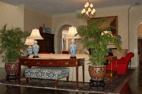 Tidewater Inn - Lobby