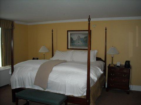 Tidewater Inn - Suite