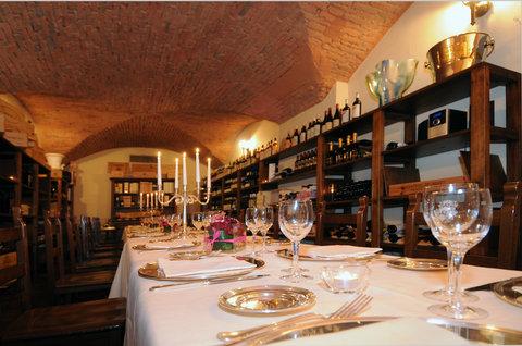 Grandhtl Majestic Gia Baglioni - Enoteca Morandi - Dining   Wine Cellar