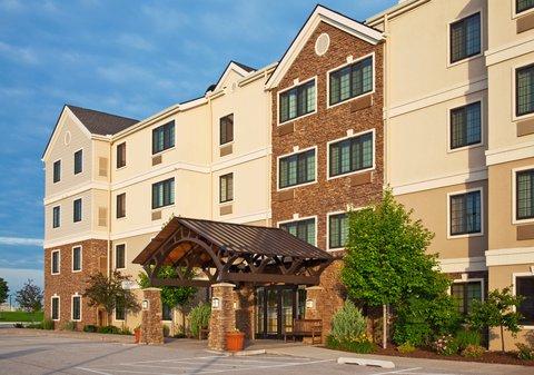 Staybridge Suites DAVENPORT - Hotel Exterior