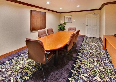 Staybridge Suites DAVENPORT - Boardroom