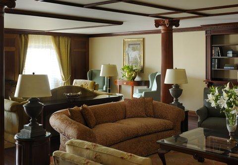 فندق ماريوت القاهرة و كازينو عمر الخيام - Presidential Suite Living Room