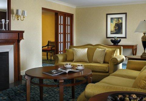 فندق ماريوت القاهرة و كازينو عمر الخيام - Executive Suite Living Room