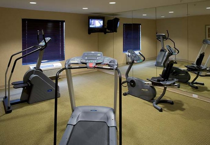 TownePlace Suites by Marriott Las Colinas Fitness salonu
