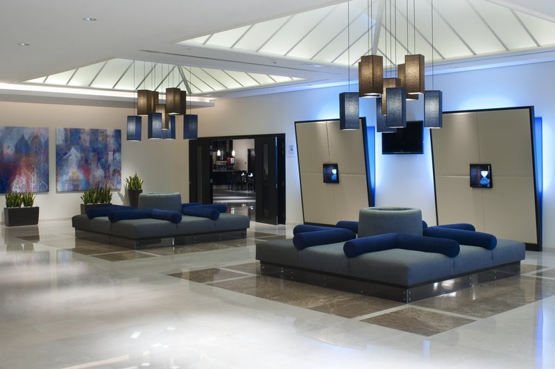 Holiday Inn Express Dubai Airport Lobby