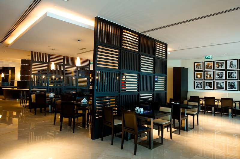 Holiday Inn Express Dubai Airport Restaurang