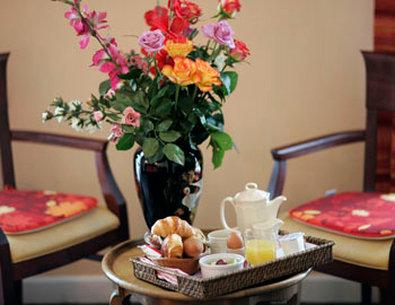 最佳西方莱斯旅行者酒店 - Breakfast in Guest Room