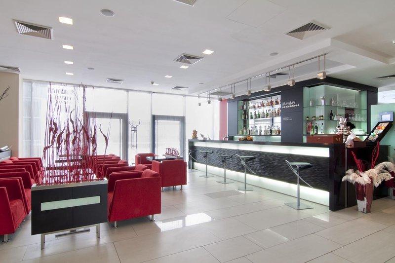 Holiday Inn Prague Airport Bar/lounge