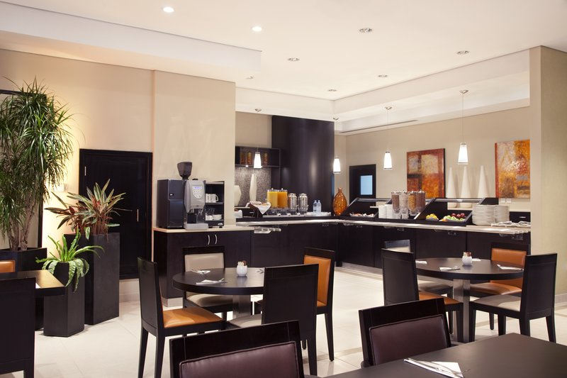 Holiday Inn Express Dubai-Safa Park Restaurang