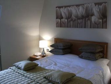 Days Hotel Coventry - Guest Room