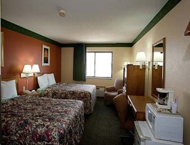 Super 8 Jacksonville - Two Full Bed Guest Room