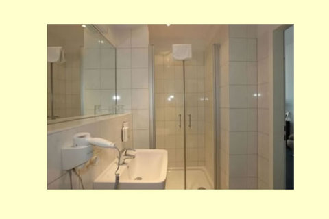 Metropolitan Berlin - Bathroom