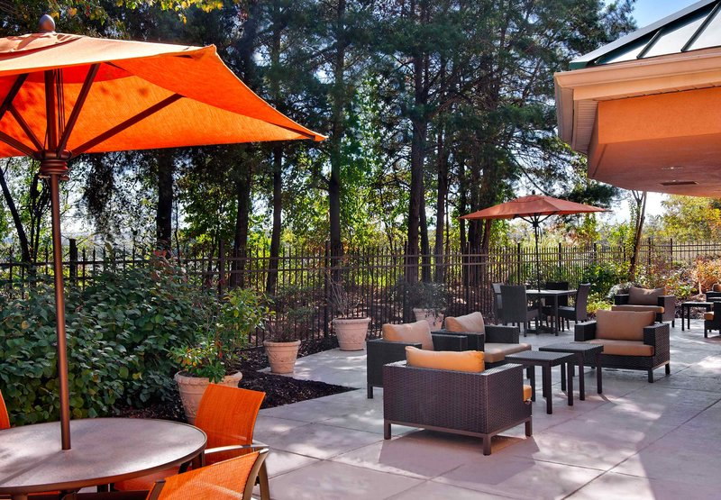 Courtyard By Marriott Asheville
