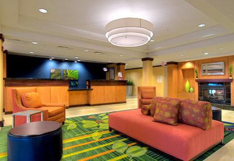 Fairfield Inn & Suites Naples - Lobby