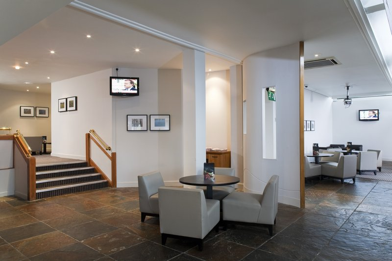 Holiday Inn Edinburgh-North Bar/lounge