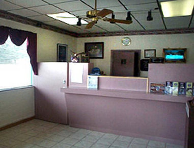 Knights Inn - Springfield, OH