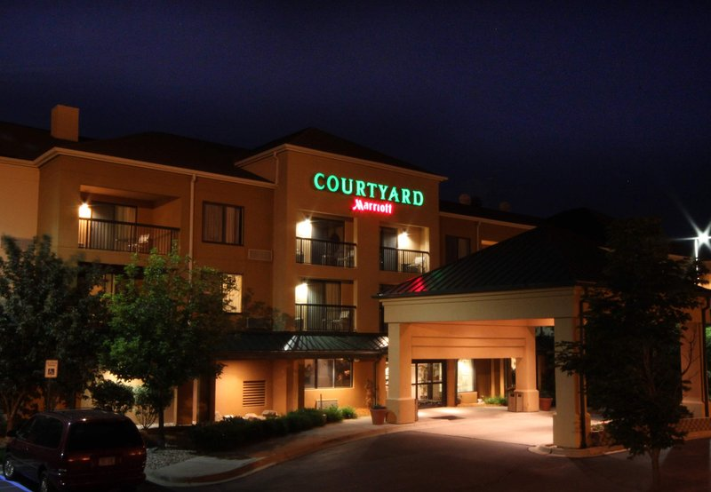 COURTYARD FLINT MARRIOTT