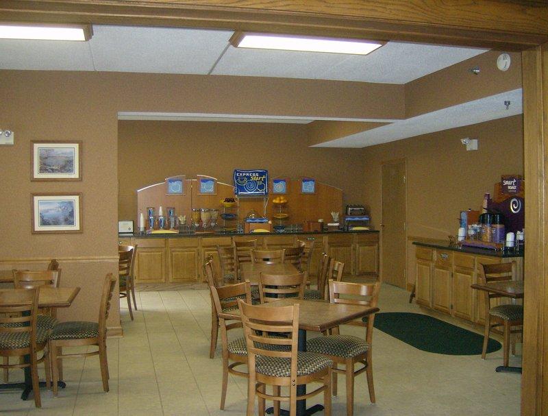 Holiday Inn Express - Irwin, PA