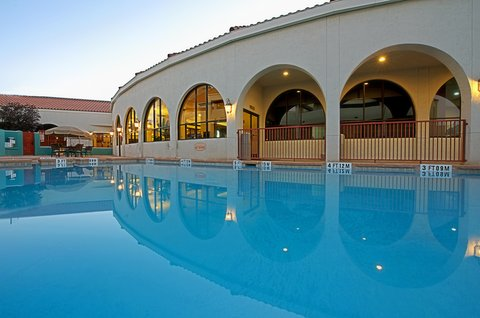 Holiday Inn EL PASO-SUNLAND PK DR & I-10 W - Refreshing Swimming Pool - open year around
