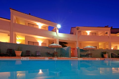Holiday Inn EL PASO-SUNLAND PK DR & I-10 W - Anytime is great for relaxing by the swimming pool