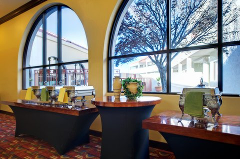 Holiday Inn EL PASO-SUNLAND PK DR & I-10 W - Pre-function Area-great for cocktails and hors d oeuvres